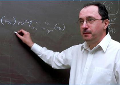 Dr. Piotr Piecuch